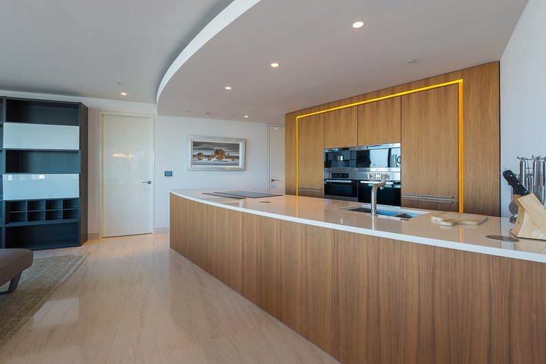 3 bedroom(s) apartment to sale in St George Wharf, Vauxhall, London-image 2