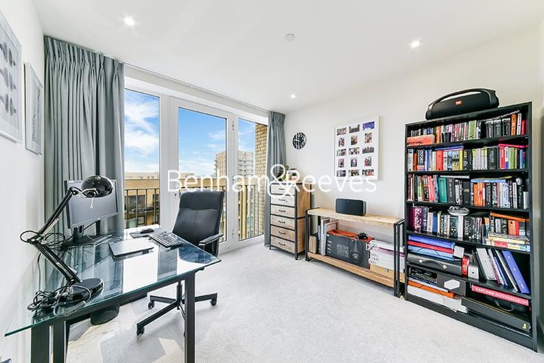 2 bedroom(s) apartment to sale in Moorhen Drive, Hendon, London-image 7