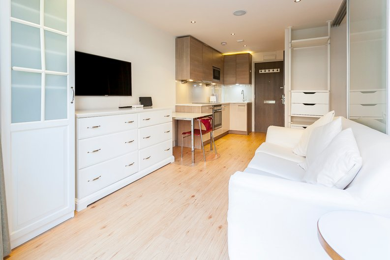 1 bedroom(s) apartment to sale in Counter House, Park Street, Chelsea Creek, London-image 2