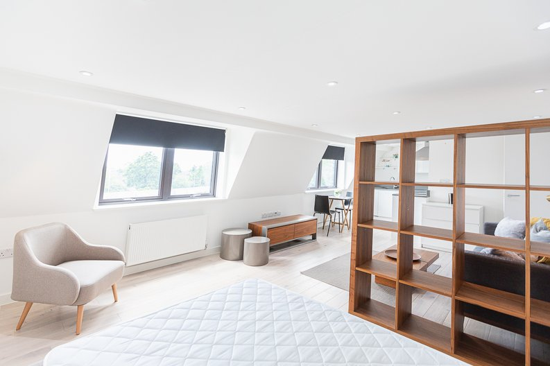Studio apartment to sale in Prospect House, 67 St John's Road, Hounslow, London-image 5