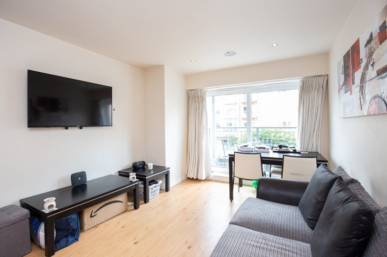 1 bedroom(s) apartment to sale in Croft House, 21 Heritage Avenue, Beaufort Park , Colindale-image 2