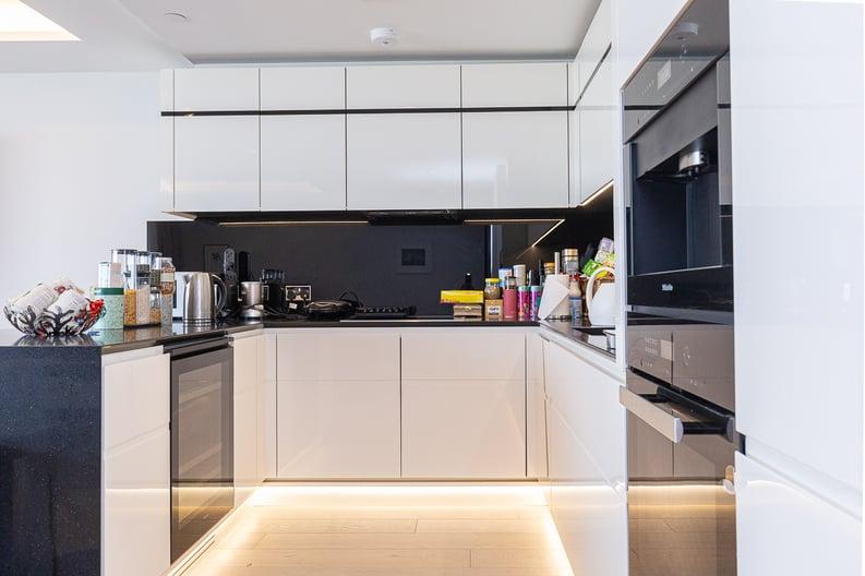 3 bedroom(s) apartment to sale in The Corniche, 23 Albert Embankment, Vauxhall-image 3