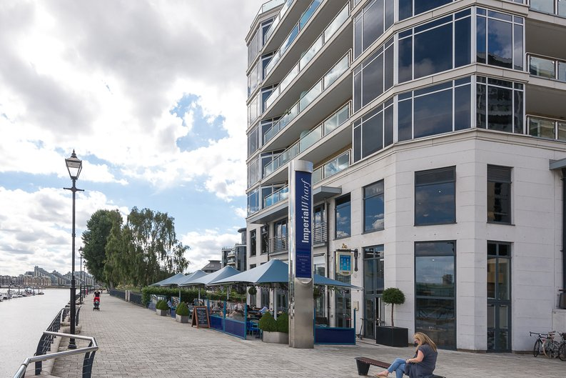 3 bedroom(s) apartment to sale in Riverside Tower , Imperial Wharf , London-image 17