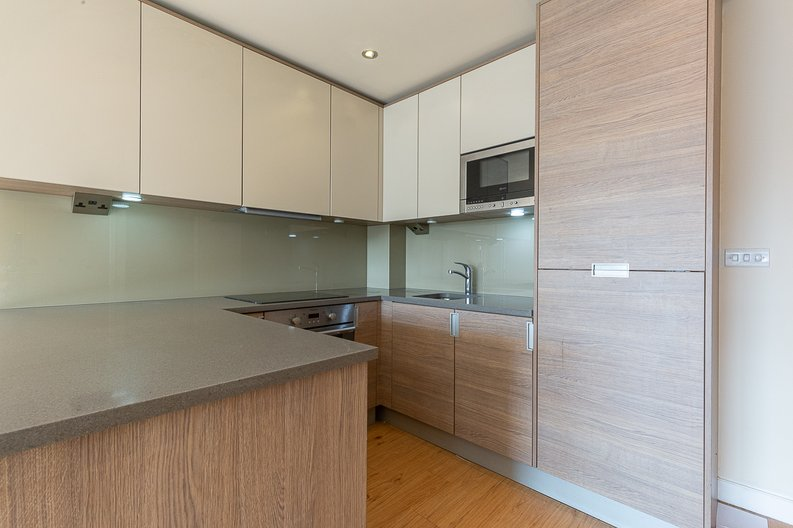 1 bedroom(s) apartment to sale in Curtiss House, Heritage Avenue, Beaufort Park , London-image 4