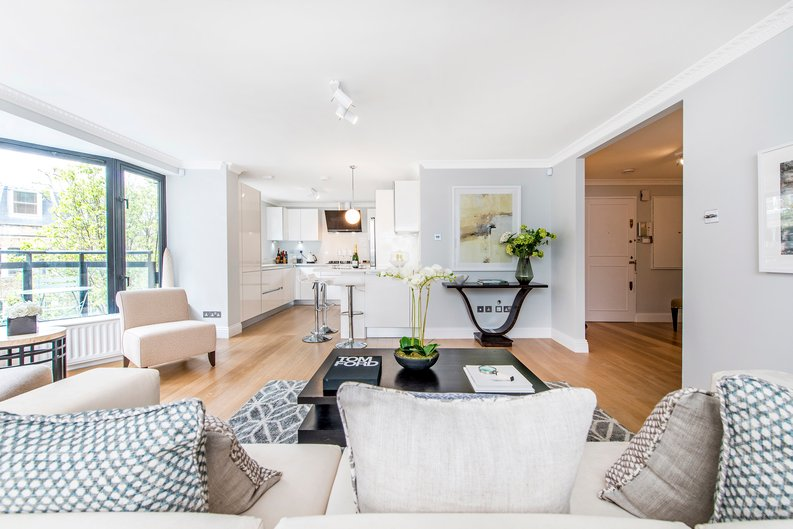 3 bedroom(s) apartment to sale in Drayton Gardens, Chelsea, London-image 23