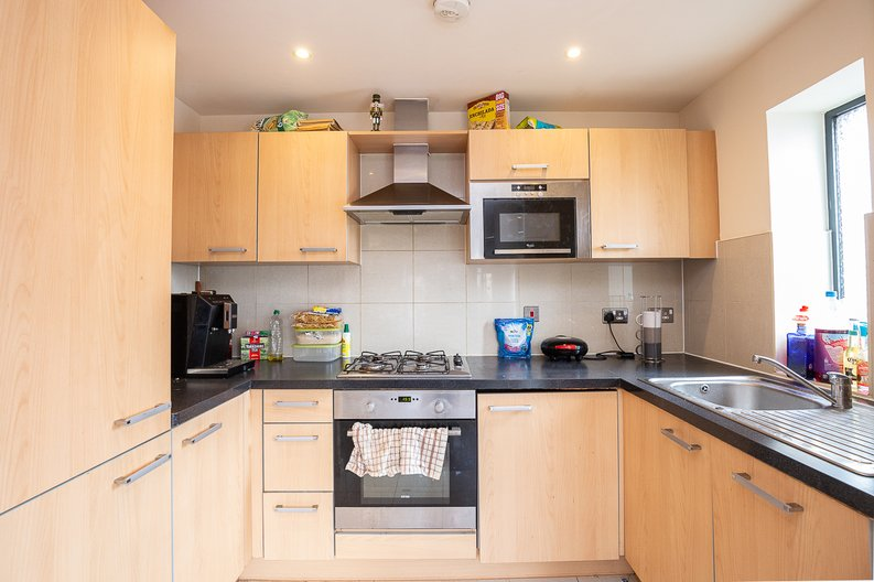 2 bedroom(s) apartment to sale in Warneford Court, 10 Mannock Close, London-image 3