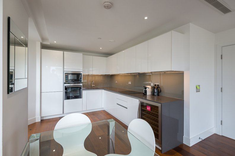 2 bedroom(s) apartment to sale in Westbourne Apartments, Central Avenue, Fulham-image 7