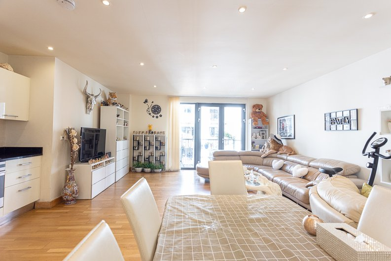 2 bedroom(s) apartment to sale in Roach Road, Hackney Wick, London-image 6
