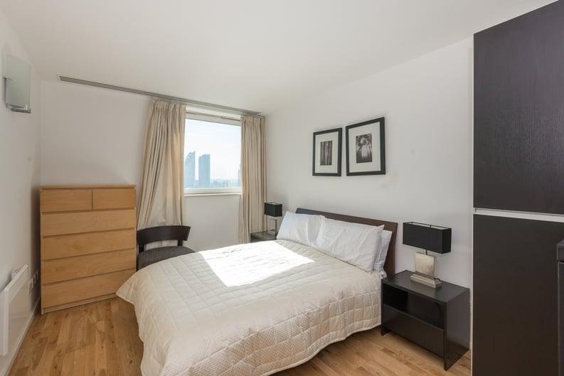 2 bedroom(s) apartment to sale in Westminster Bridge Road, Lambeth, London-image 3