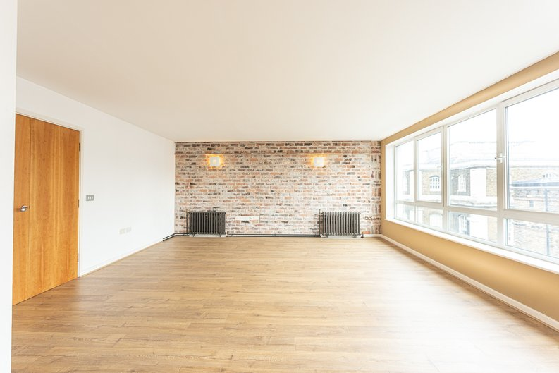 2 bedroom(s) apartment to sale in Hopton Road, Woolwich, London-image 11