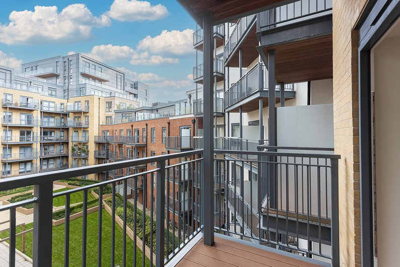 2 bedroom(s) apartment to sale in Aerodrome Road, Colindale, London-image 10