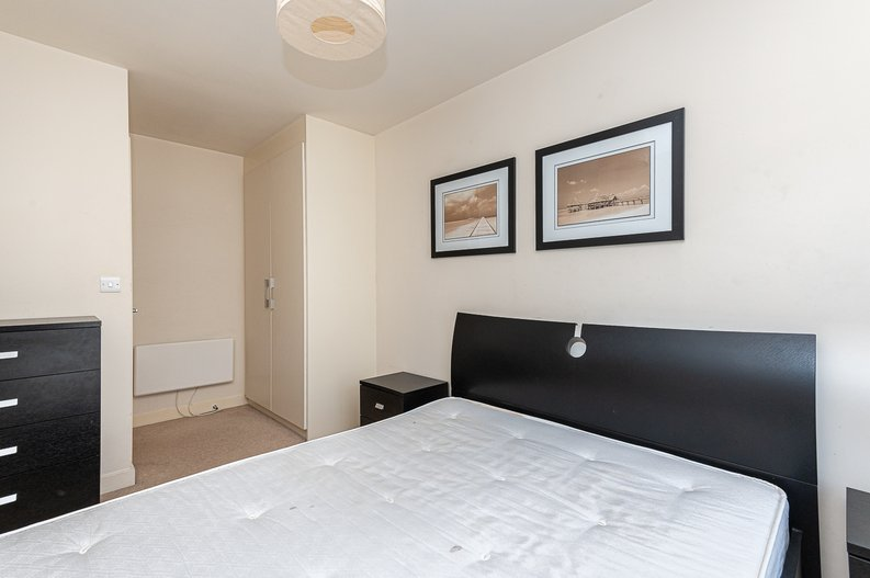 1 bedroom(s) apartment to sale in Curtiss House, 27 Heritage Avenue, Beaufort Park, London-image 3