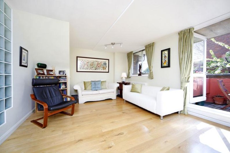 3 bedroom(s) apartment to sale in Anglebury House, Talbot Road, Notting Hill-image 3