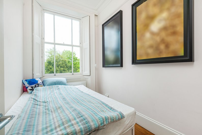 3 bedroom(s) apartment to sale in The Green, Surrey, Richmond-image 8