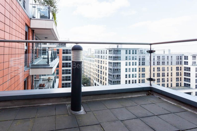 1 bedroom(s) apartment to sale in Harbour Reach, Imperial Wharf, London-image 7