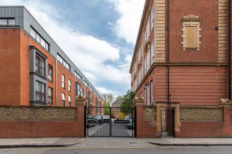 1 bedroom(s) apartment to sale in Gore House, Drummond Way, Islington, London-image 14