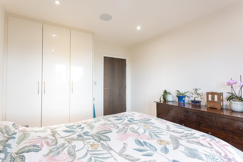 1 bedroom(s) apartment to sale in Beaufort Square, Colindale, London-image 10