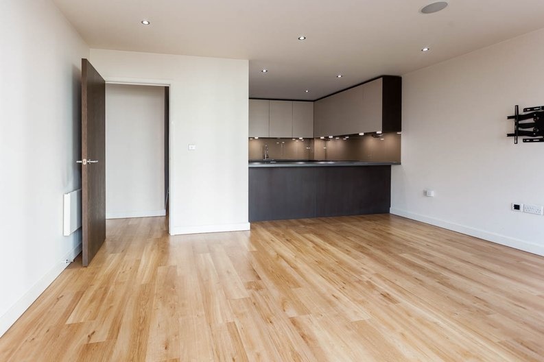 2 bedroom(s) apartment to sale in East Drive, Colindale, London-image 10