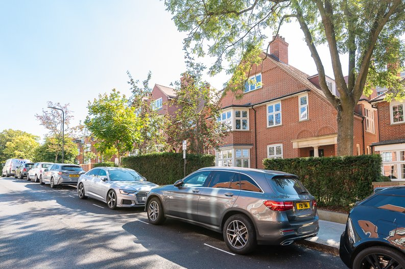 4 bedroom(s) apartment to sale in Kidderpore Avenue, Hampstead, London-image 15