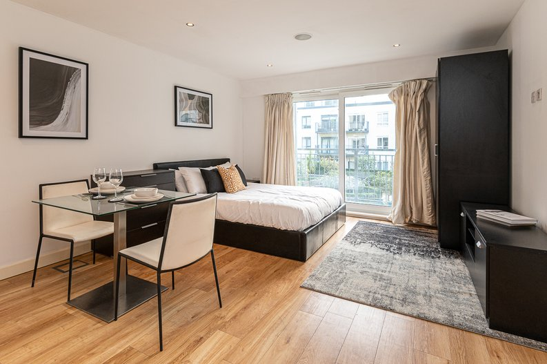 1 bedroom(s) apartment to sale in Croft House, 21 Heritage Avenue, Beaufort Park, Colindale-image 3