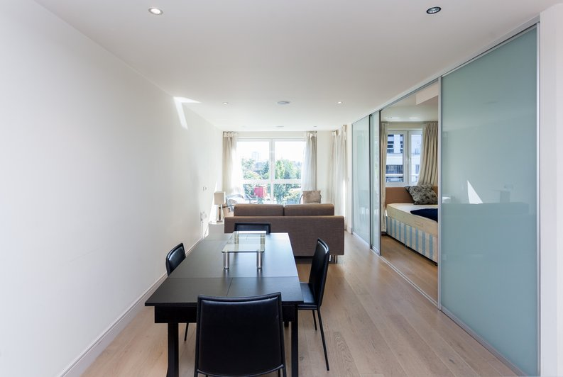 1 bedroom(s) apartment to sale in Octavia House, Townmead Road , Fulham-image 9