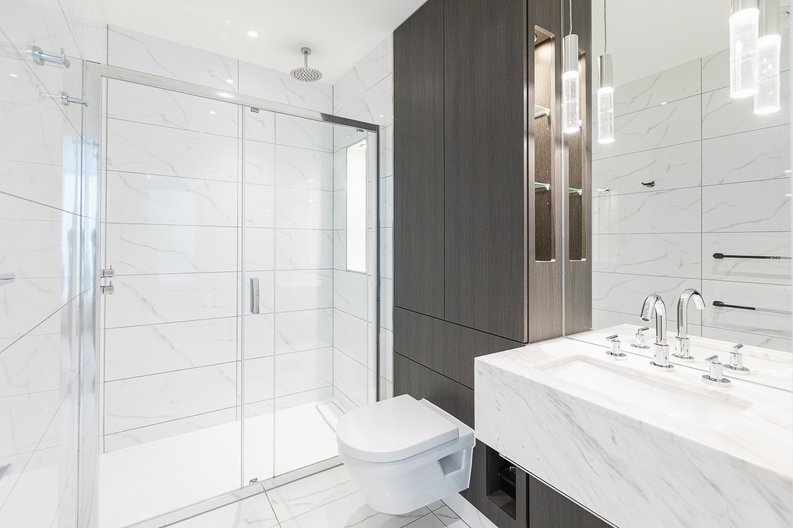 2 bedroom(s) apartment to sale in Marquis House, Sovereign Court, Hammersmith-image 4