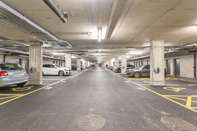 2 bedroom(s) apartment to sale in Colindale Gardens, London-image 14