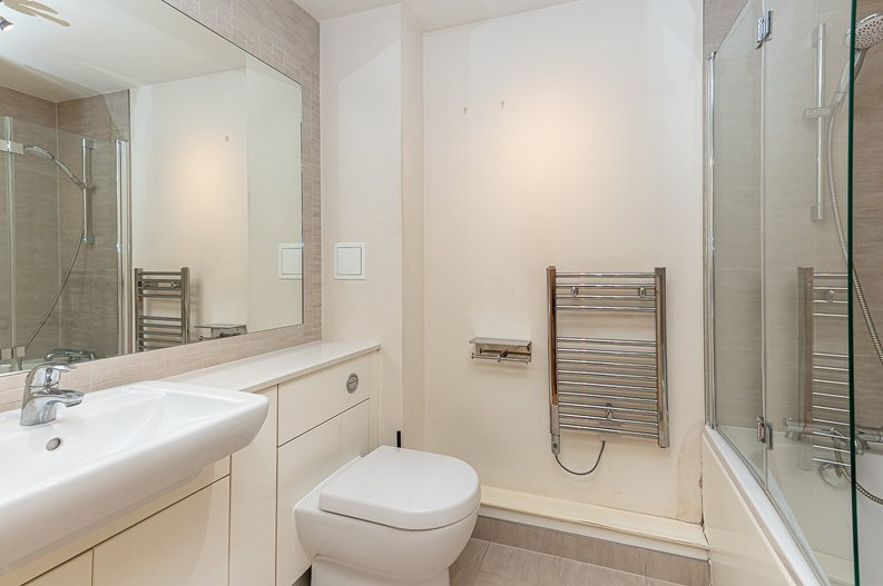 1 bedroom(s) apartment to sale in Curtiss House, 27 Heritage Avenue, Beaufort Park, London-image 4