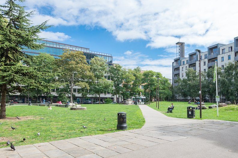 1 bedroom(s) apartment to sale in Stepney Way, Silk District,, White Chapel, London-image 4