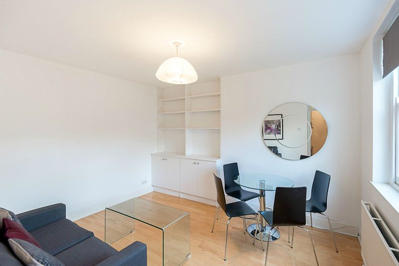 1 bedroom(s) apartment to sale in Oxford Gardens, London-image 2