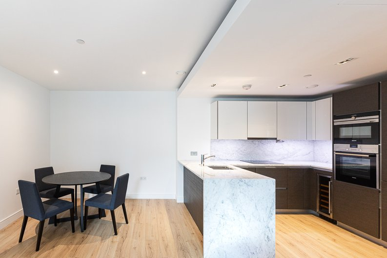 2 bedroom(s) apartment to sale in Marquis House, Sovereign Court, Hammersmith-image 7