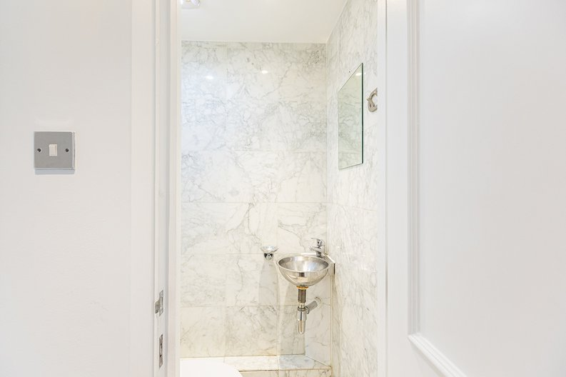1 bedroom(s) apartment to sale in Chelsea Cloisters, Sloane Avenue, Chelsea-image 10