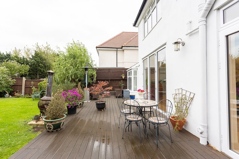 4 bedroom(s) house to sale in Hale Lane, Mill Hill, London-image 6