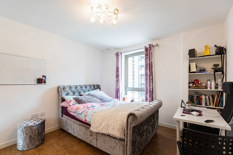 3 bedroom(s) apartment to sale in Olympic Way, Wembley, Greater London, London-image 9
