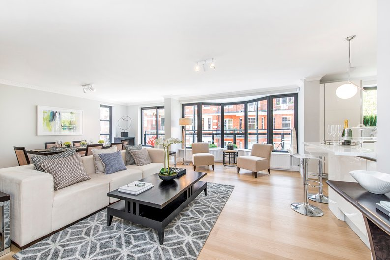 3 bedroom(s) apartment to sale in Drayton Gardens, Chelsea, London-image 1