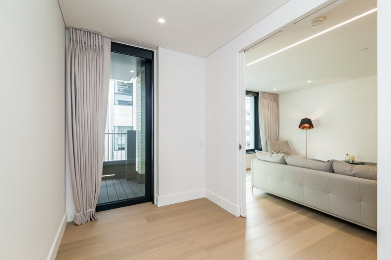 3 bedroom(s) apartment to sale in Rathbone Place, Fitzrovia-image 7