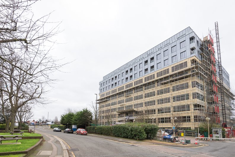 Studio apartment to sale in Westgate House, Ealing-image 1