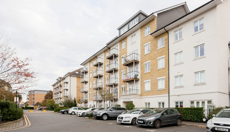 1 bedroom(s) apartment to sale in Denham House, 17 Park Lodge Avenue, West Drayton-image 4
