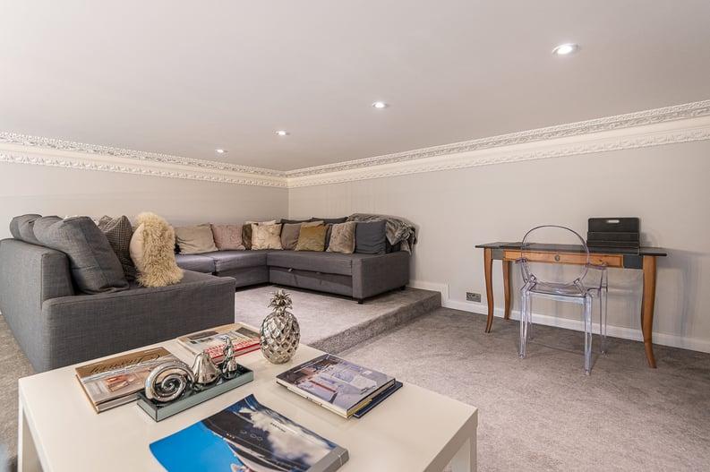 2 bedroom(s) apartment to sale in Belsize Park Gardens, Belsize Park, London-image 10