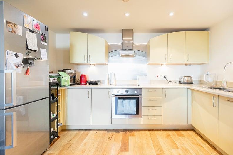 2 bedroom(s) apartment to sale in Westminster Bridge Road, Lambeth, London-image 2