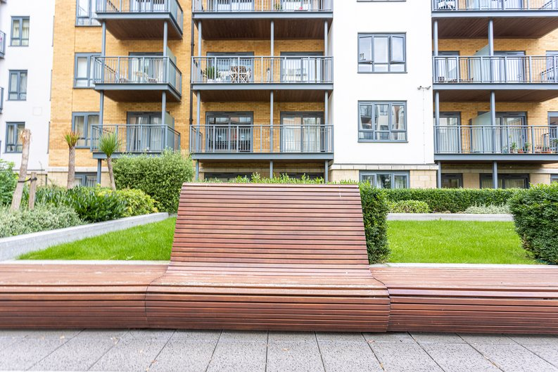 Studio apartment to sale in Boulevard Drive, Colindale, London-image 14