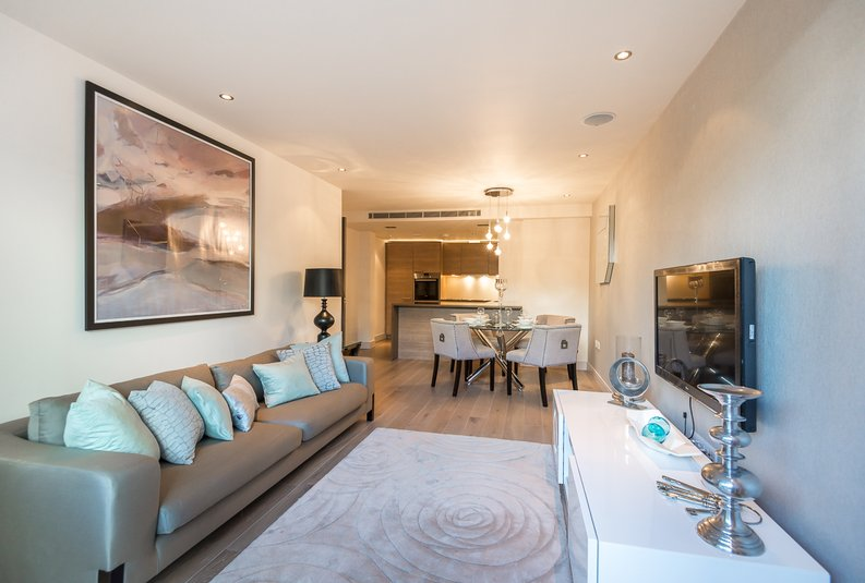 2 bedroom(s) apartment to sale in Doulton House, Chelsea Creek, Fulham-image 8