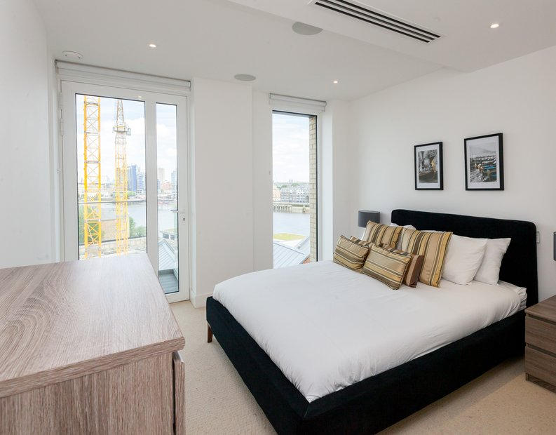 1 bedroom(s) apartment to sale in Westbourne Apartments, Central Avenue, Fulham-image 5