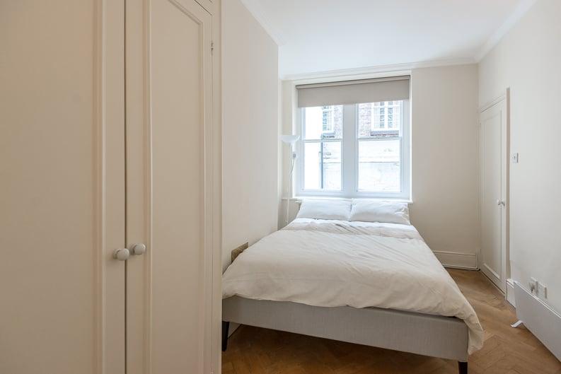 1 bedroom(s) apartment to sale in Garrick House, Carrington Street, Mayfair-image 3