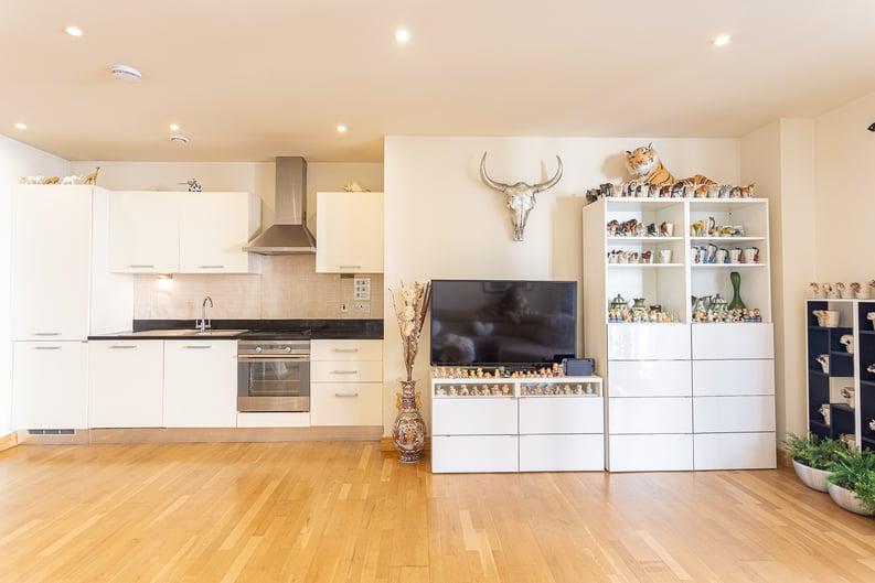2 bedroom(s) apartment to sale in Roach Road, Hackney Wick, London-image 7