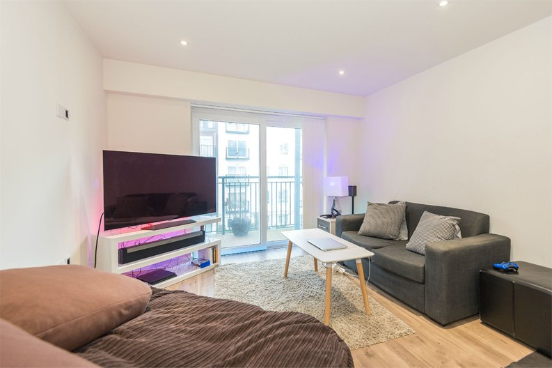 1 bedroom(s) apartment to sale in Golding House, 11 Beaufort Square, London-image 6
