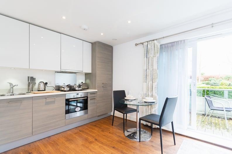 Studio apartment to sale in Napier House, Bromyard Avenue, London-image 3
