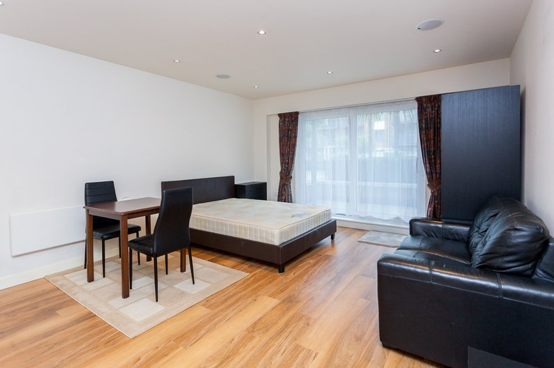 1 bedroom(s) apartment to sale in Curtiss House, Heritage Avenue, Beaufort Park, Colindale-image 2