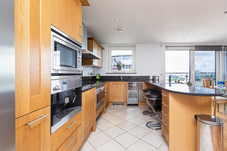 2 bedroom(s) apartment to sale in Lensbury Avenue, Imperial Wharf, Fulham-image 25