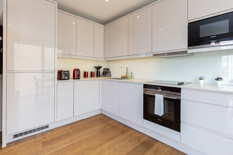 1 bedroom(s) apartment to sale in Reverence House, 8 Lismore Boulevard, Colindale Gardens, Colindale-image 3